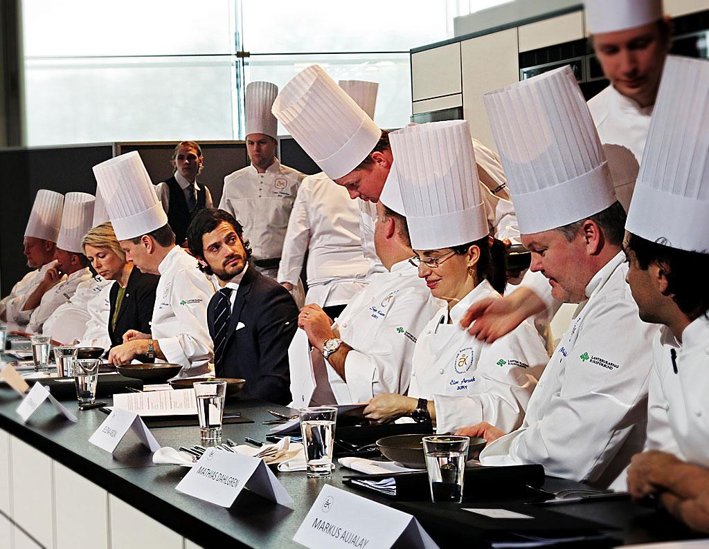 Prins Carl Philip och andra jurymedlemmar vid Årets Kock 2013