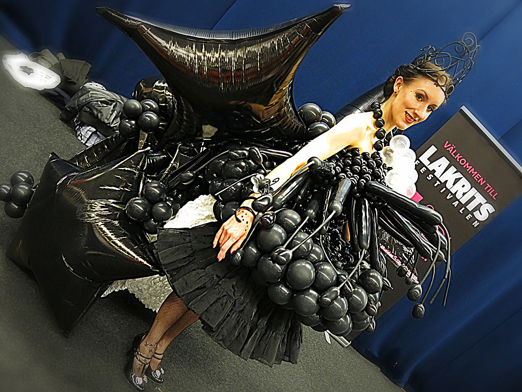 Ballongprinsessan Miss Meadows på Lakritsfestivalen 2013