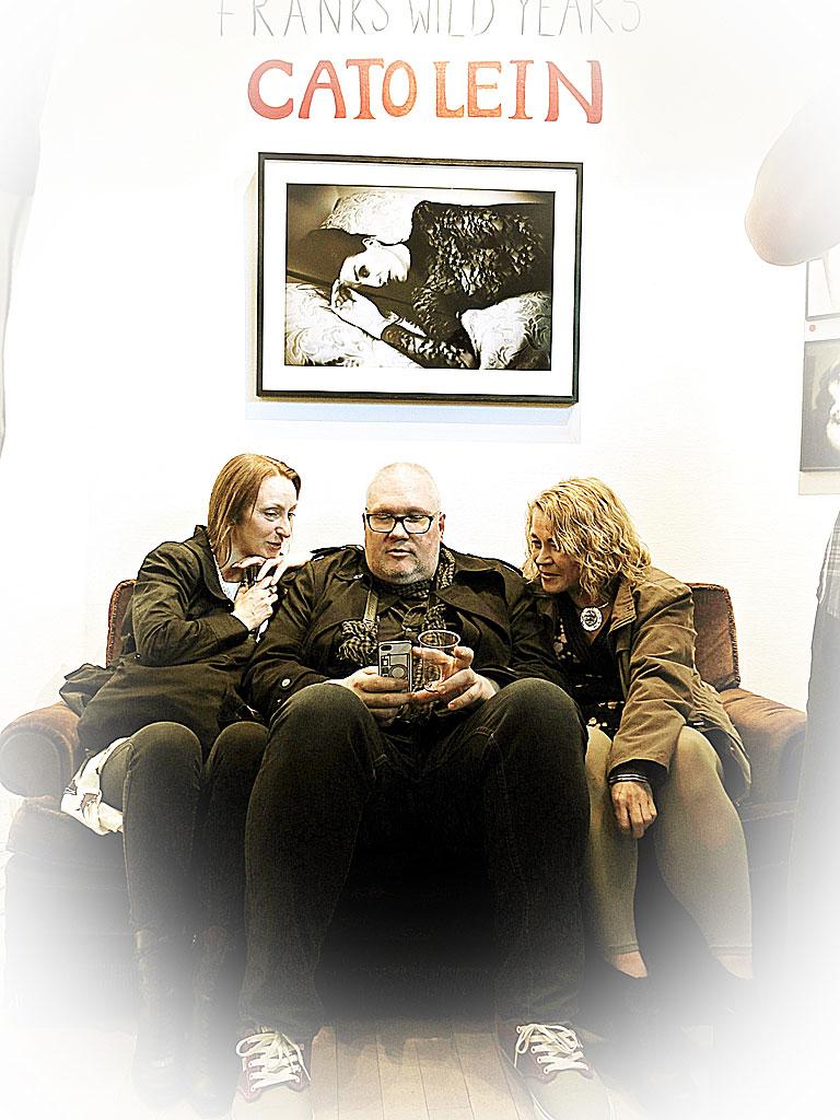 Knut Koivisto sitter in hos Cato Lein