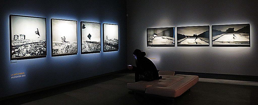 Utställningen Corinne Mercadier – Wicked Gravity på Fotografiska