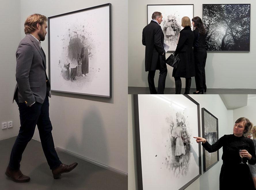 """Astrid Kruse Jensen själv är det som pekar finger åt en av sina """"Fragments of Remembrance"""" (€ 7000)"""