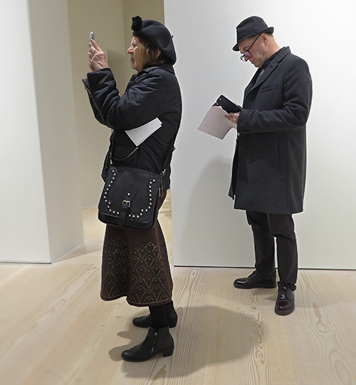 Mycket att ta in på utställingen Ai Weiwei – Tyre på Galerie Forsblom