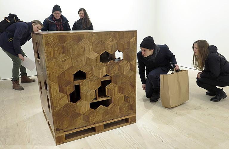 Ai Weiwei – Tyre på Galerie Forsblom: Treasure Box