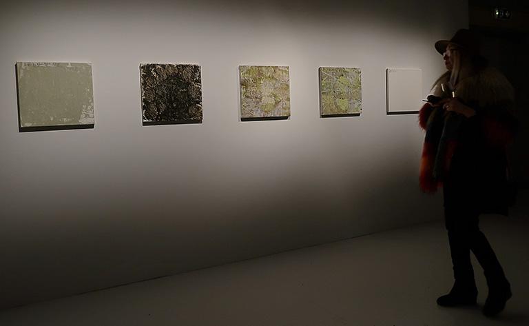 """Vernissage för Beckers konstnärsstipendiums 30-årsjubileumsutställning på Färgfabriken: Anders Widoffs målningar """"Marzano Appio"""""""