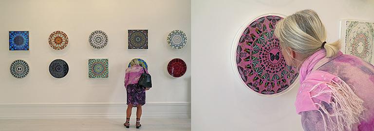 Fjärilsbilder ur Psaltaren på Damien Hirsts utställning The Psalms på McCabe Fine Art, Stockholm