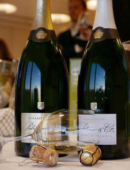 Magnumbuteljer av Palmer & Co Vintage Brut 2005 & Palmer & Co Blanc de Blancs Brut 2005 (Påskvin)