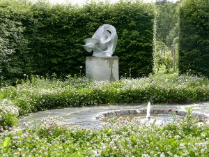Skulpturen Flux av Eva Hild, Rosendals Trädgård