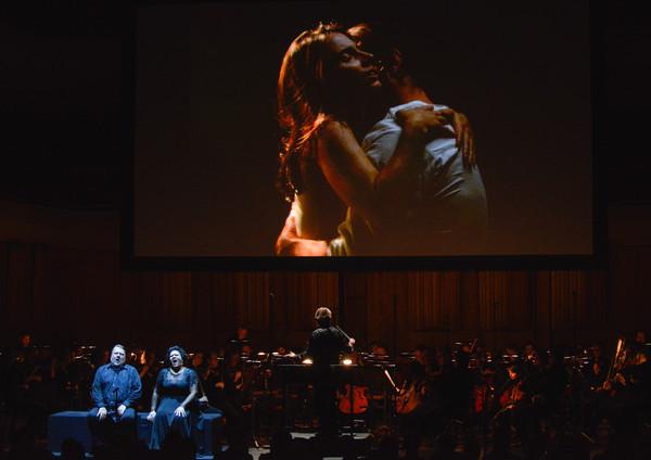 Bill Violas och Peter Sellars Tristan och Isolde i Berwaldhallen på Östersjöfestivalen
