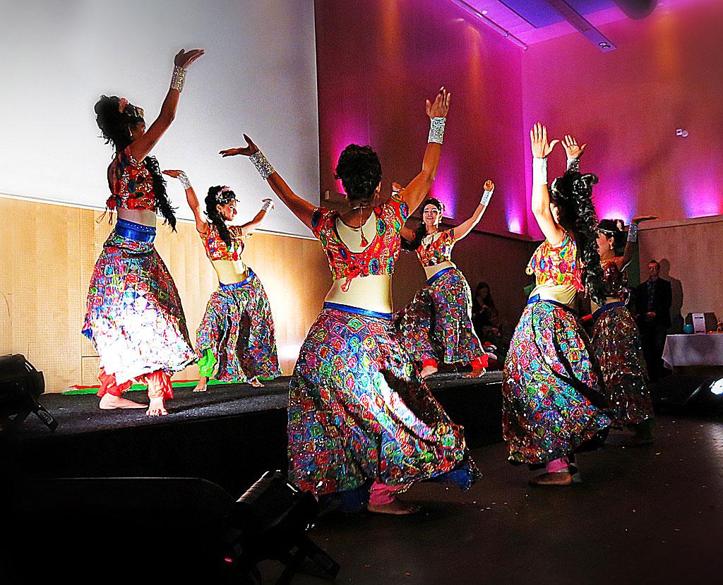 Den indiska danstruppen Sugar n' Spice på India Unlimited