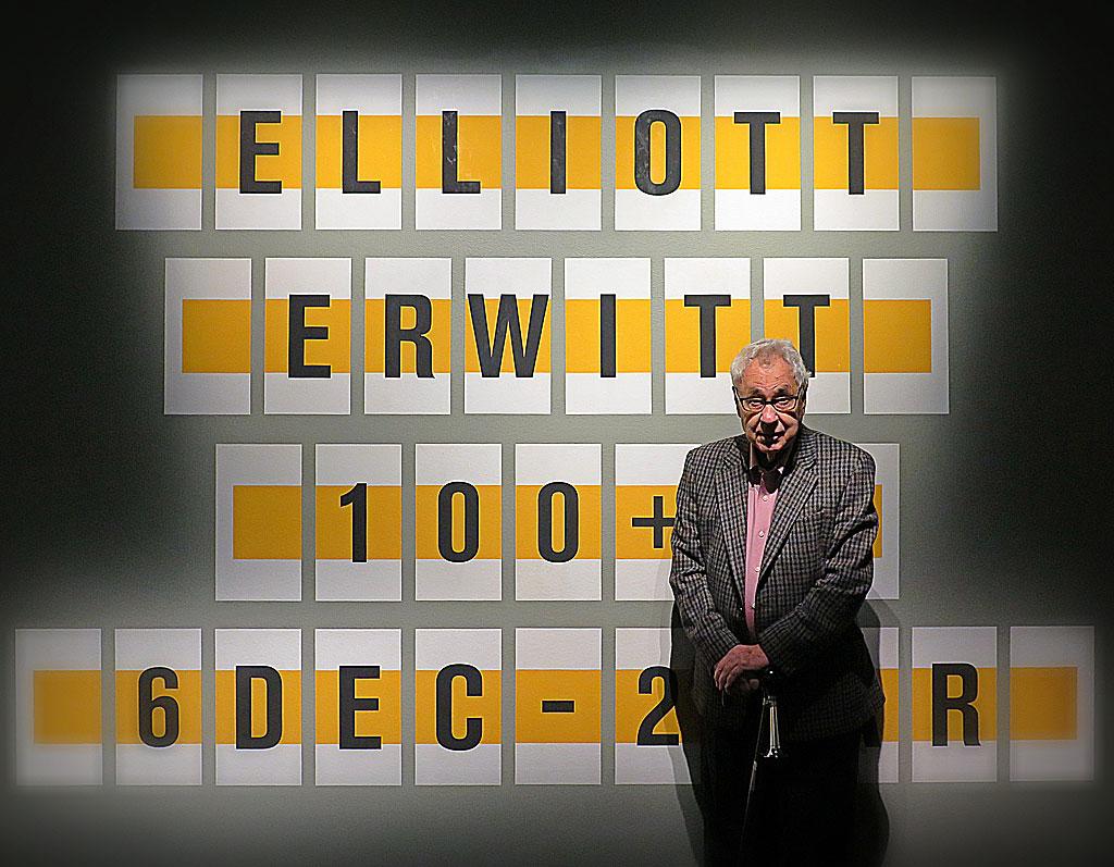 Elliott Erwitt själv, i samband med öppnande av hans utställning på Fotografiska