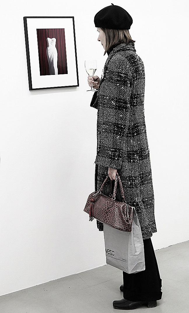 Christodoulos Panayiotous Marilyn Monroe-klänning på Galerie Nordenhake