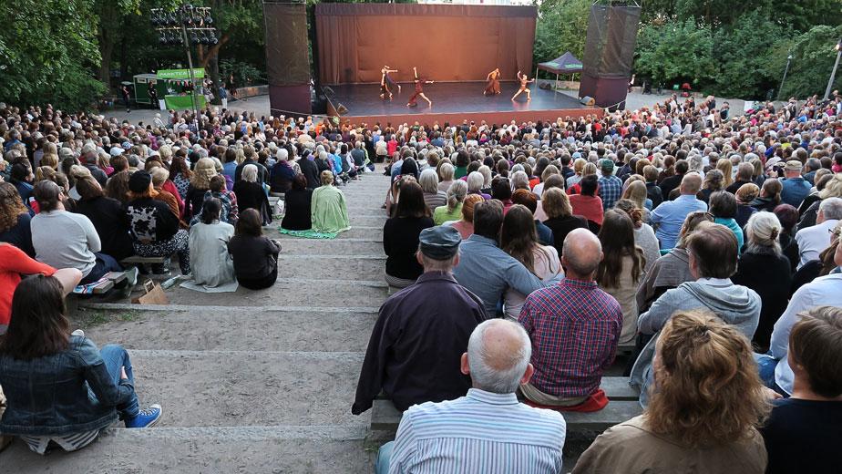Virpi Pahkinen – Volti Subito – Dansmånad i Vitabergsparken